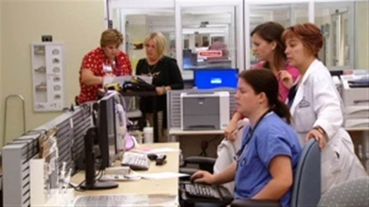 Difficile parfois de distinguer qui est infirmière et qui ne l'est pas dans les hôpitaux