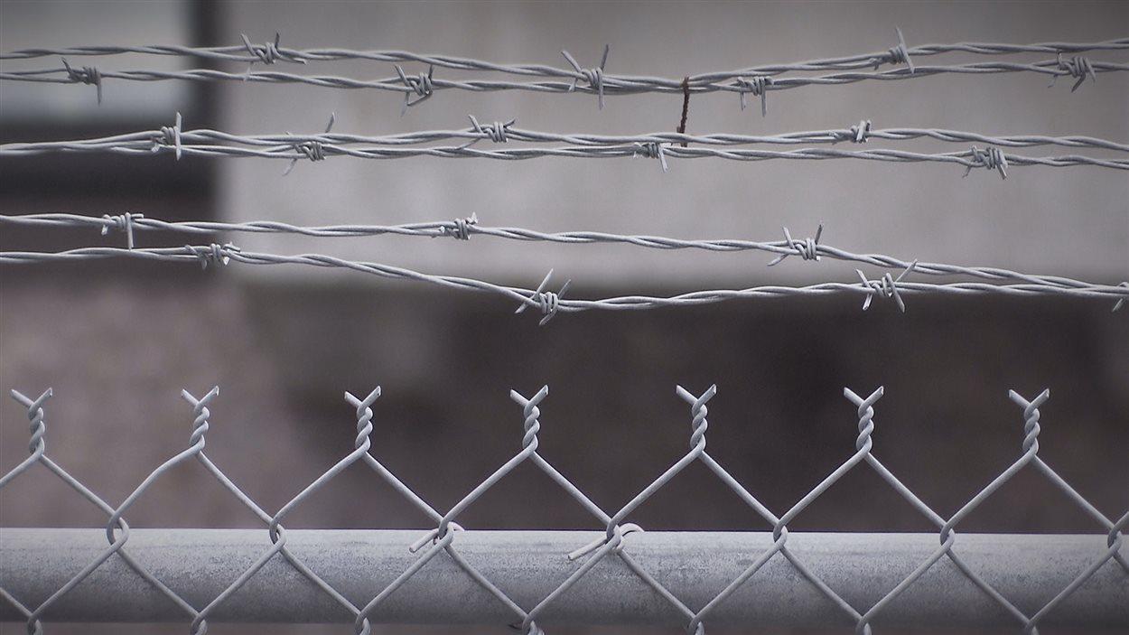Les clôtures de la prison de Percé