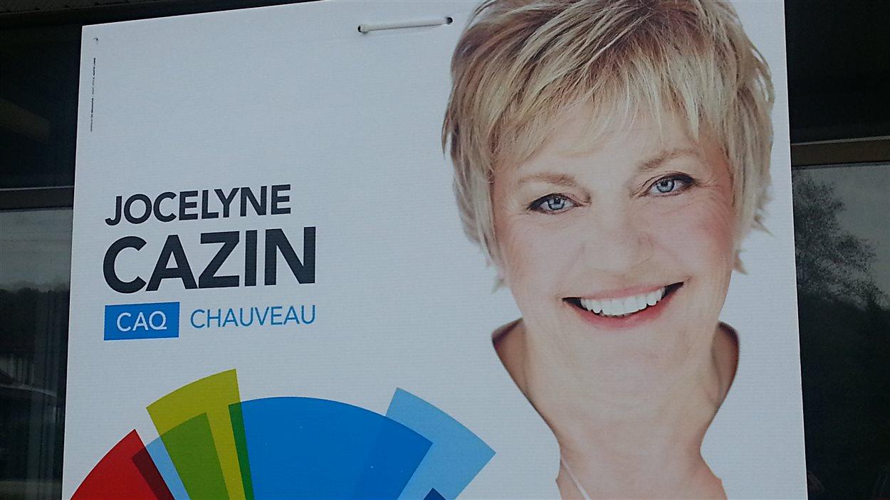 Les pancartes poussent dans les circonscriptions de Jean-Talon et Chauveau. Ici, la candidate de la CAQ, Jocelyne Cazin.