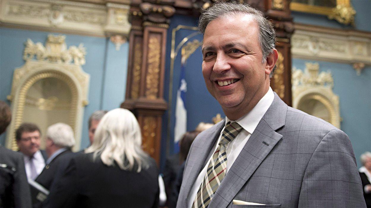 Le ministre du Travail, de l'Emploi et de la Solidarité sociale, Sam Hamad