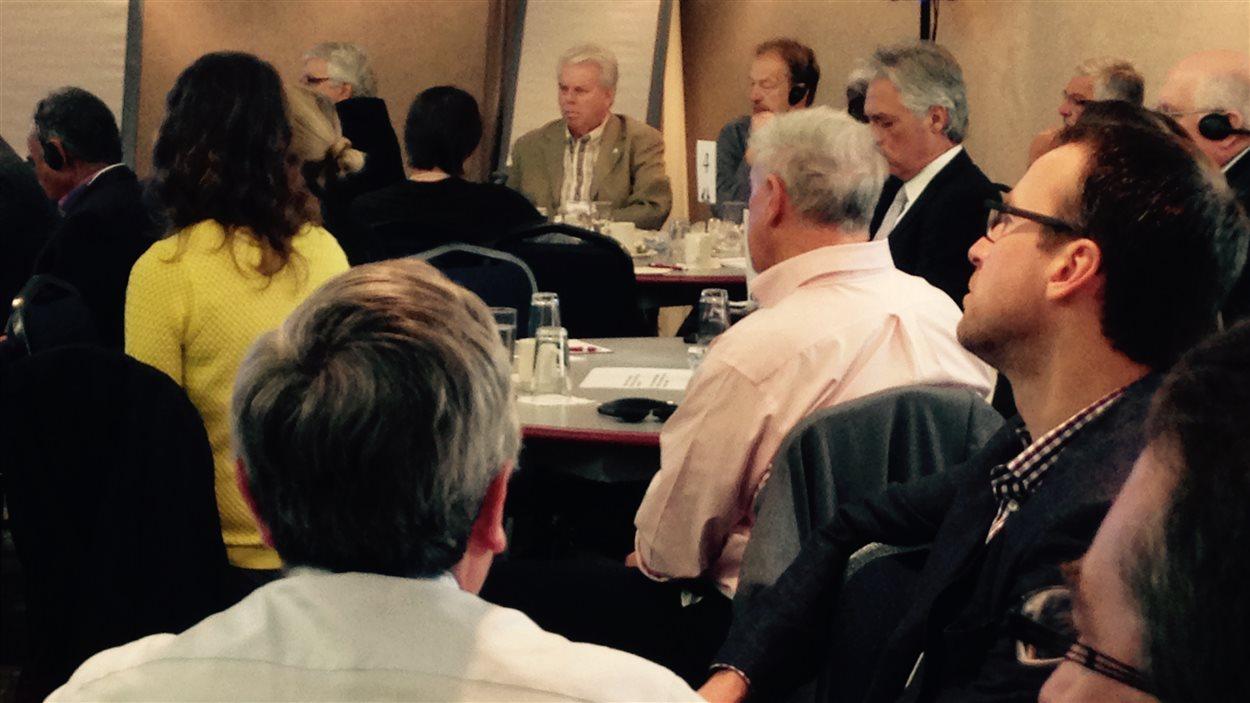 Des participants au forum sur la révision stratégique des programmes au Nouveau-Brunswick.