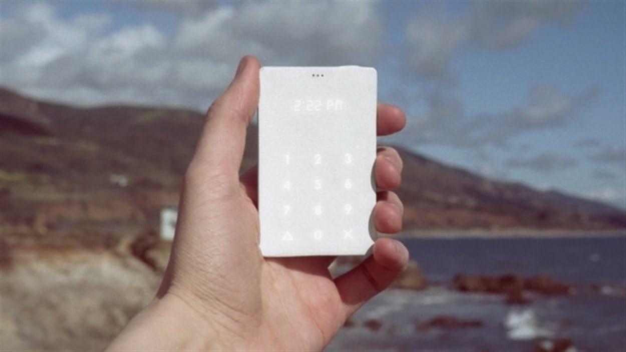 Le Light Phone, un téléphone dont les seules fonctions sont de faire et de recevoir des appels.