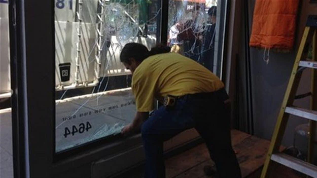 Commerce vandalisé dans la nuit de samedi à dimanche rue Notre-Dame Ouest