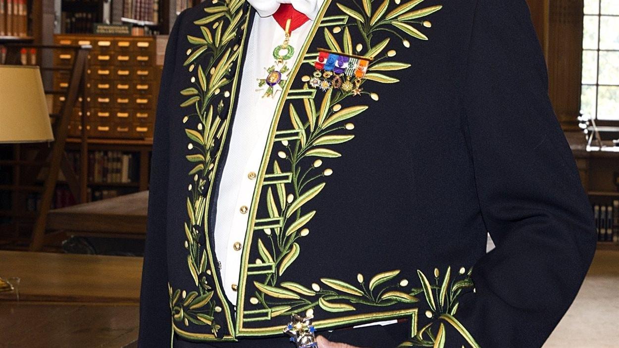 L'habit de Xavier Darcos, élu à l'Académie française en février 2015