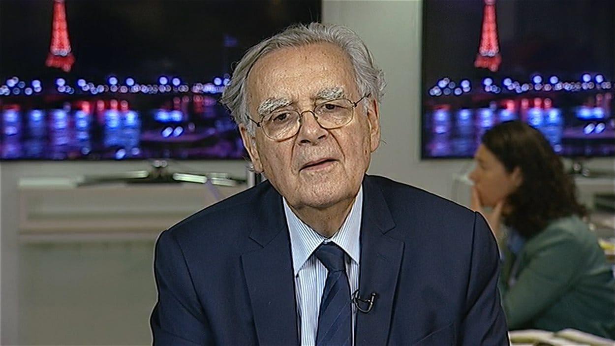 Bernard Pivot, journaliste et animateur français, en entrevue à 24|60.