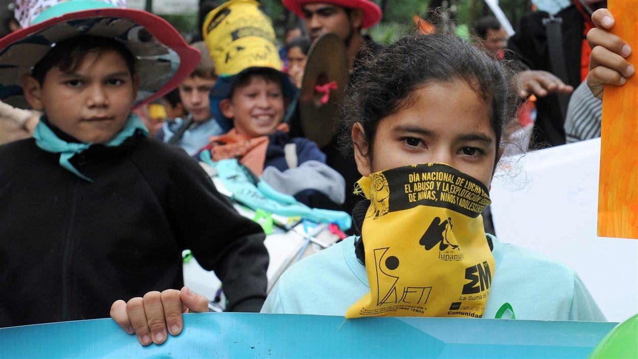 Le 30 mai dernier, des enfants participaient, dans les rues d'Asuncion au Paraguay, à une manifestation pour souligner la journée nationale contre l'exploitation sexuelle et l'abus sexuel des enfants et d'exiger du gouvernement paraguayen de garantir les droits des enfants.