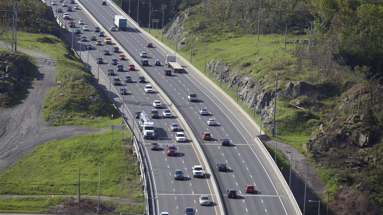 circulation à Québec vue du pont Laporte