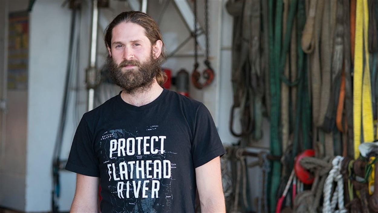 Mark Worthing, de Victoria, est l'un des deux militants nageurs de Greenpeace ayant approché la plateforme de Shell en mer