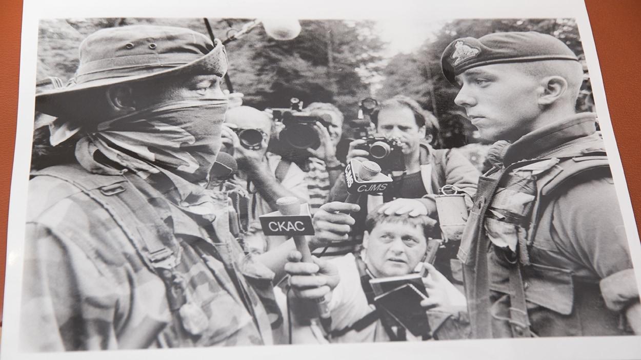 L'une des photos prises par Jacques Nadeau durant la crise d'Oka, en 1990