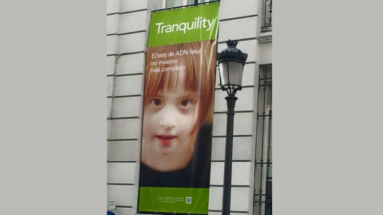 La publicité de la compagnie Genoma qui utilise sans sa permission la photo de la fille de Christine Hoos.