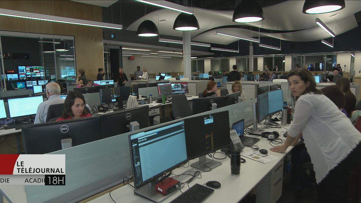 La salle des nouvelles de Radio-Canada à Moncton.