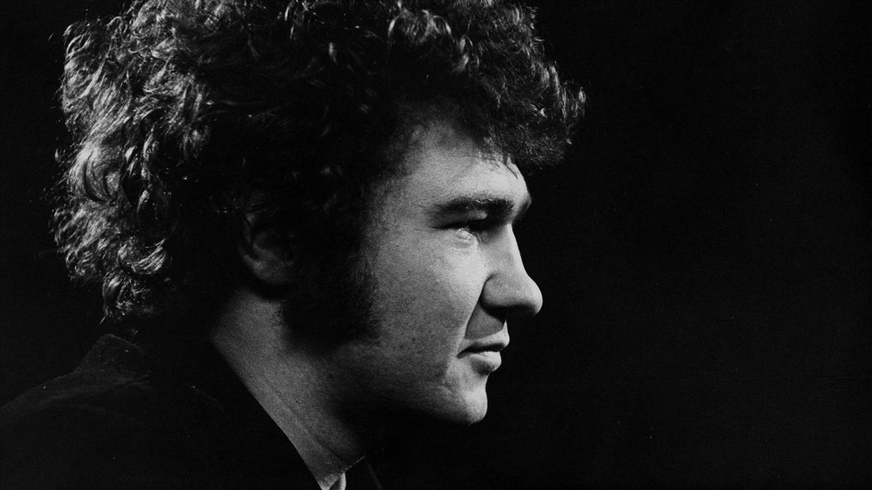 Robert Charlebois en entrevue au <i>Sel de la semaine</i>, le 16 avril 1970