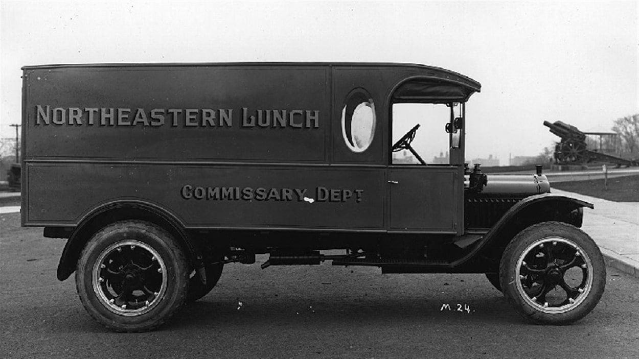 Un camion de livraison des restaurants Northeastern Lunch vers 1930