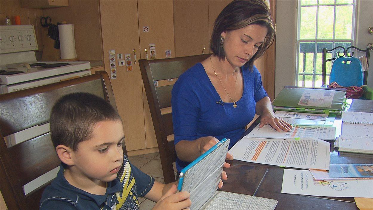 Les enfants autistes peuvent faire face à de longs temps d'attente avant de consulter un orthophoniste