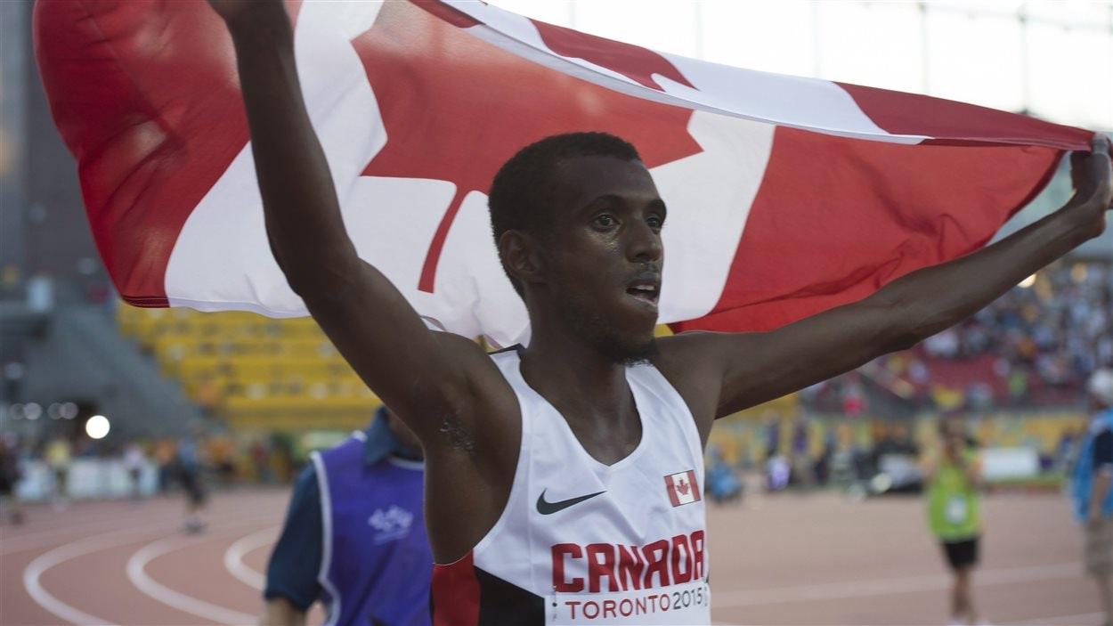 Mohammed Ahmed gagne le 1000m pour le Canada aux Panam, mardi. Certains veulent se servir de ces Jeux comme tremplin pour les Olympiques à Toronto.