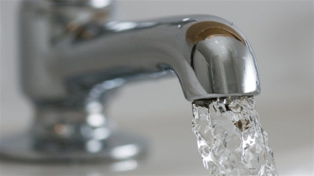 Photo d'un robinet d'eau.