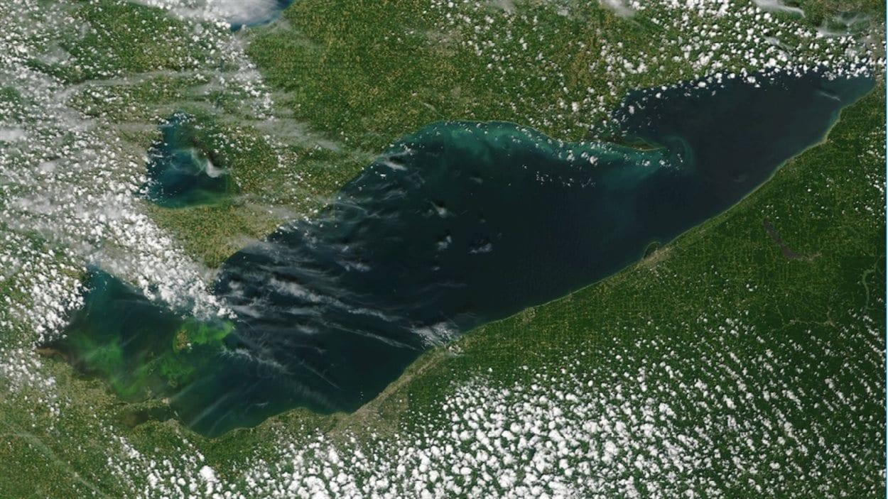 Photo satellite du lac Érié