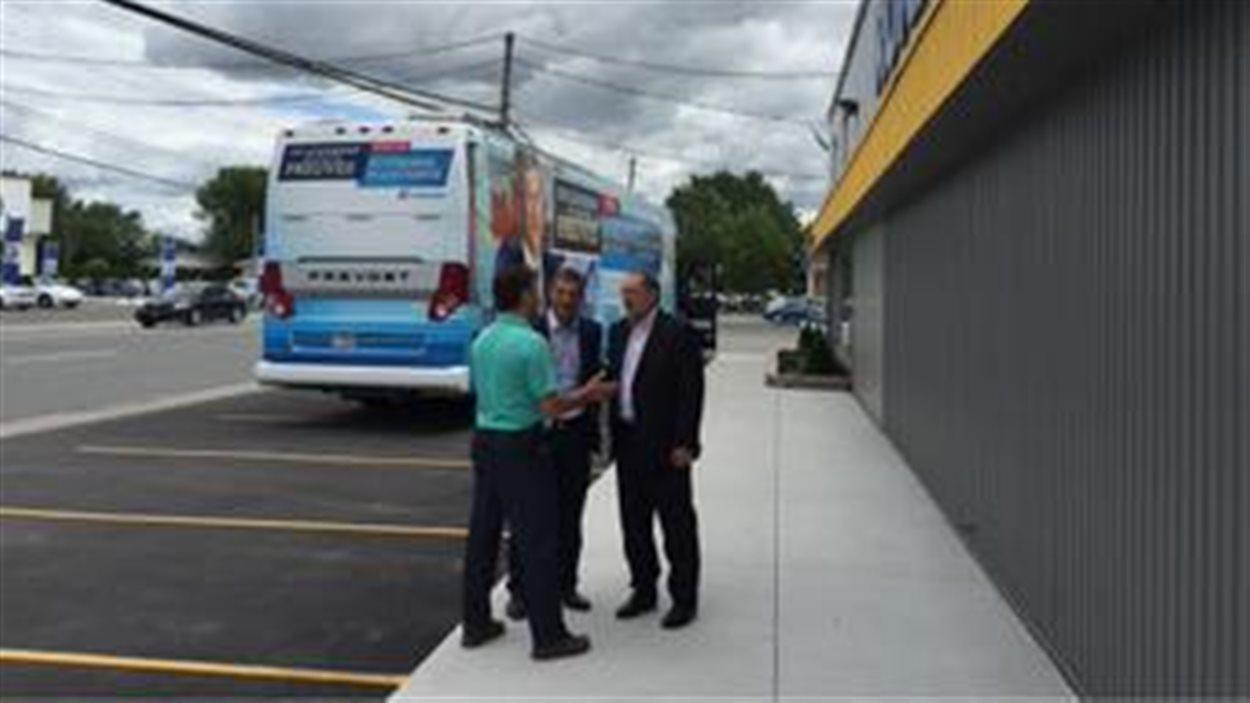 Le coup d'envoi de la campagne conservatrice au Québec a été donnée vendredi matin à Victoriaville.