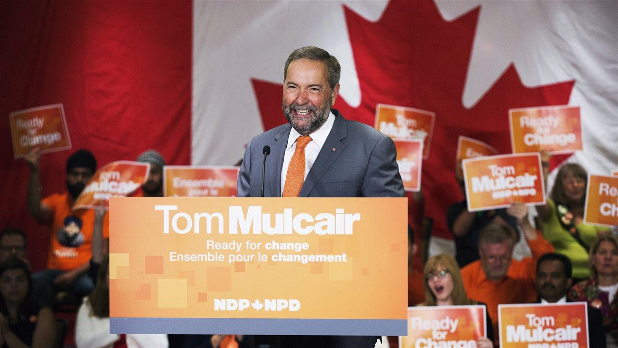 « Seul le NPD a l'expérience requise pour battre et remplacer Stephen Harper et réparer les dommages qu'il a causés », a soutenu Thomas Mulcair devant une centaine de partisans, vendredi matin à Toronto.