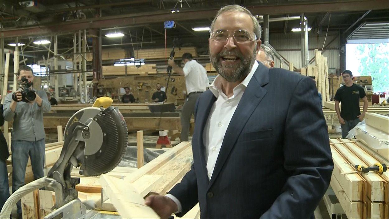 Le chef néo-démocrate Thomas Mulcair se réjouit de l'appui que lui offriront des syndicats dans certaines circonscriptions.