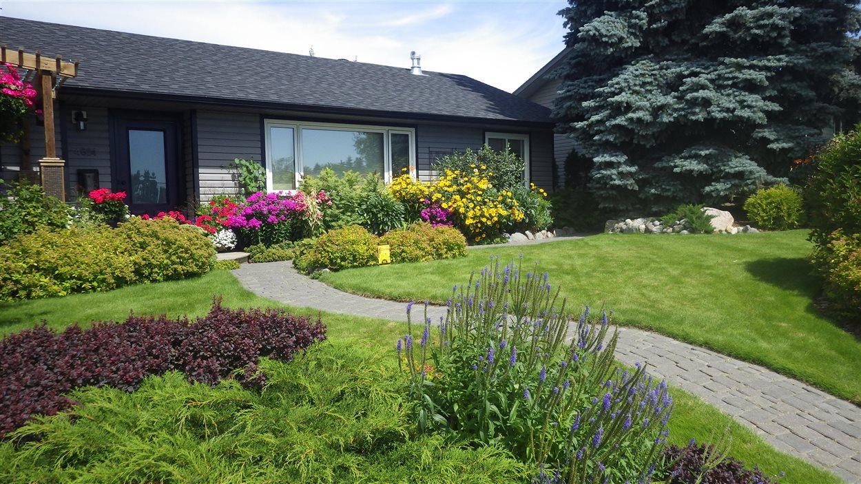 Les trois plus belles façades de maison fleuries d\'Edmonton | ICI ...