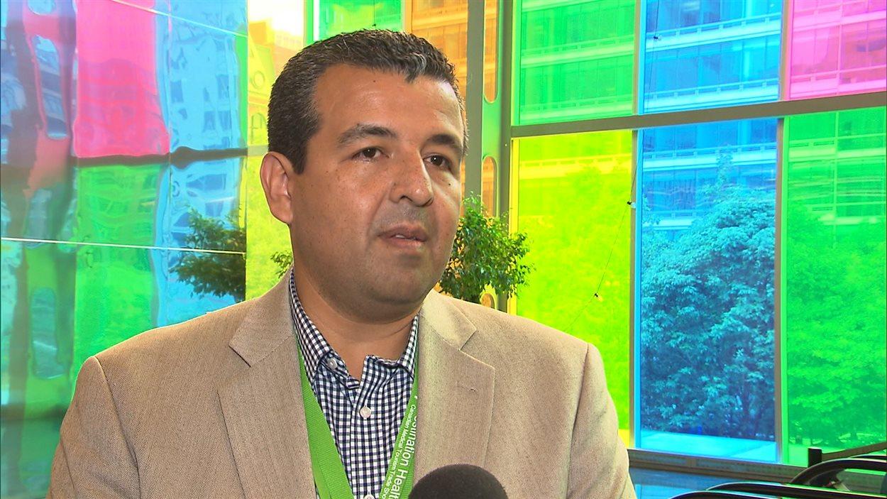 Le fondateur du salon de tourisme médical de Montréal, Pablo Castillo