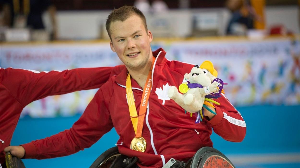 Zak Madell de l'équipe canadienne de rugby en fauteuil roulant