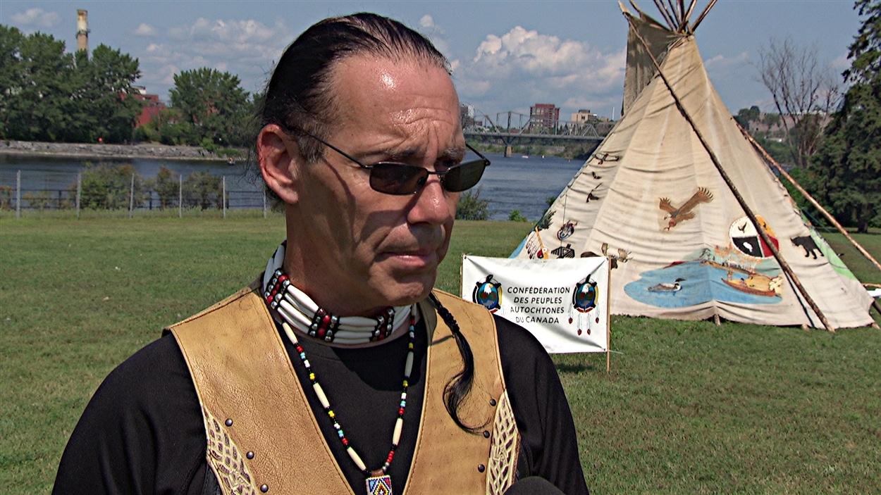 Guillaume Carle est le grand chef de la Confédération des autochtones du Canada.