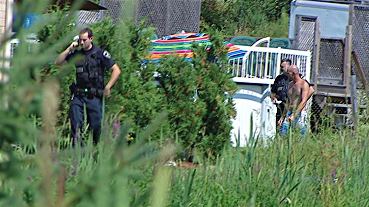 Un enfant a été retrouvé inconsicent dans une piscine à Val-des-Monts, en Outaouais.
