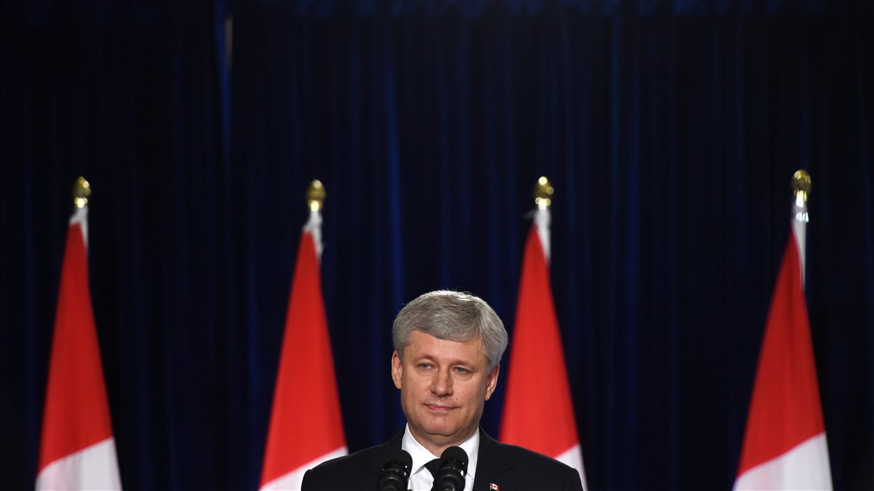 Stephen Harper lors du point de presse de London.
