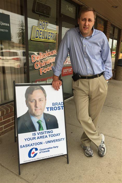 Le candidat conservateur dans Saskatoon-University, Brad Trost, a été élu dans Saskatoon-Humboldt aux élections fédérales de 2004.