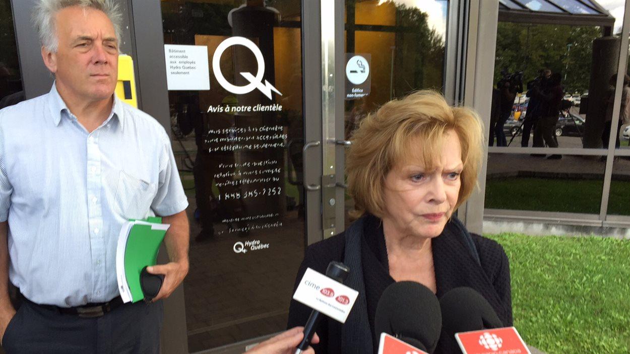 La mairesse de Saint-Adolphe-d'Howard, Lisette Lapointe, s'est dite consternée à sa sortie de sa rencontre avec Hydro-Québec.
