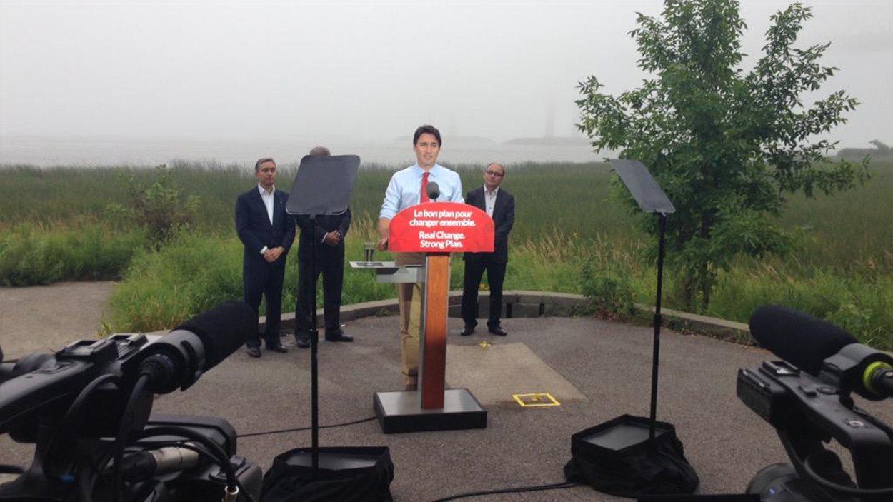 Le chef du Parti libéral du Canada Justin Trudeau lors d'une annonce à Trois-Rivières