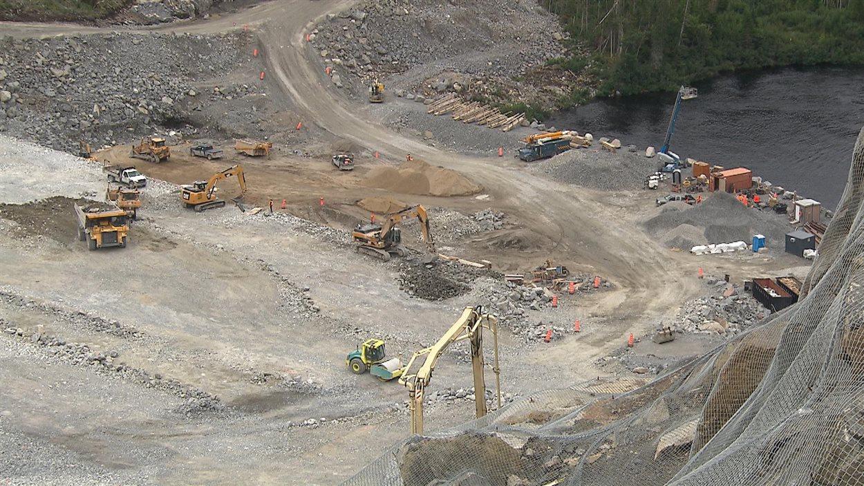 Le chantier du barrage Romaine 3