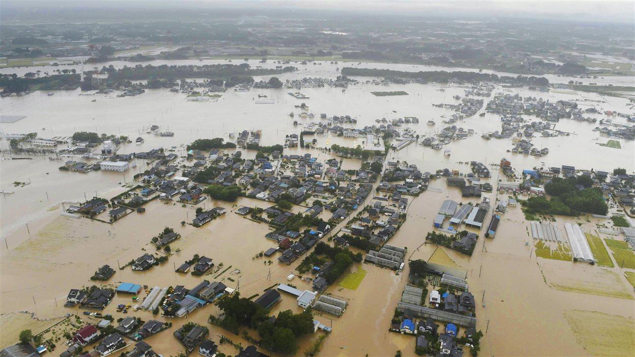 Une vue aérienne de la région inondée de Joso au Japon.