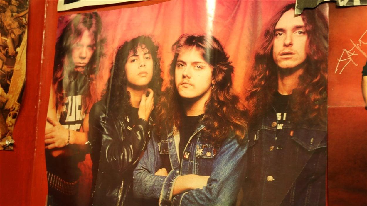 Une affiche de collection de Metallica. De gauche à droite : James, Kirk, Lars et Cliff.