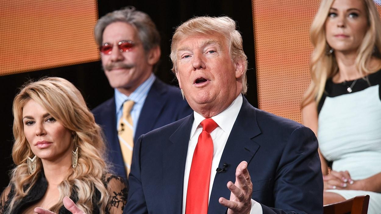 Donald Trump, entouré de Brandi Glanville, de Geraldo Rivera et de Kate Gosselin de l'émission «TheCelebrity Apprentice»