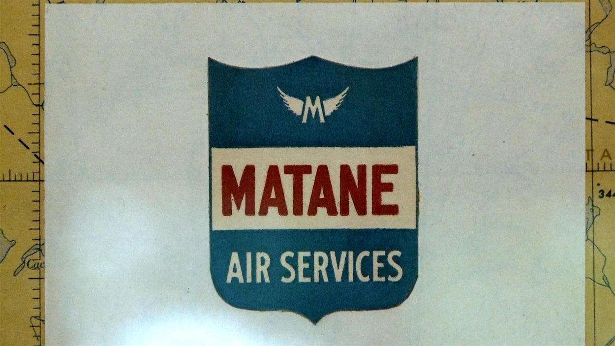 Le logo de la compagnie d'aviation que Gerry Burnett a fondée avec sa femme, Elspeth Russell