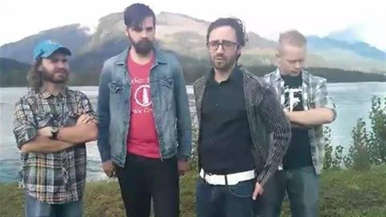 Le groupe a remercié ses généreux donateurs dans une vidéo publiée sur Facebook.