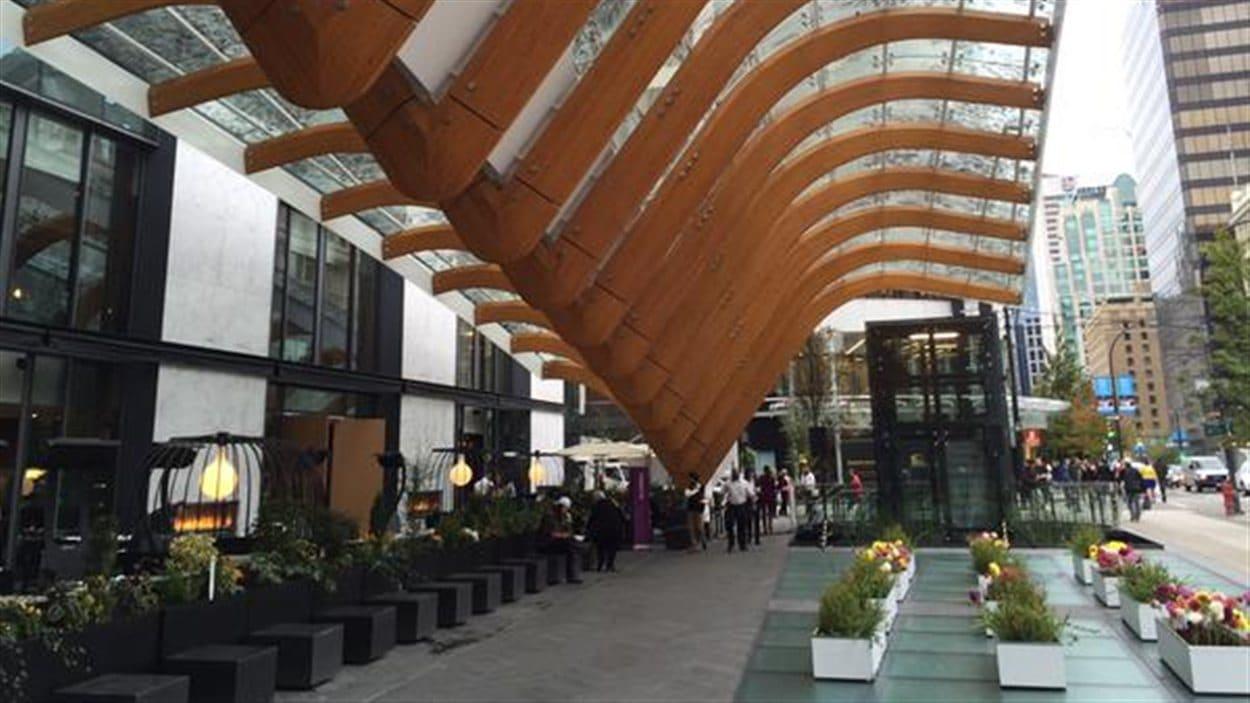 Une entrée de l'immeuble Telus à Vancouver