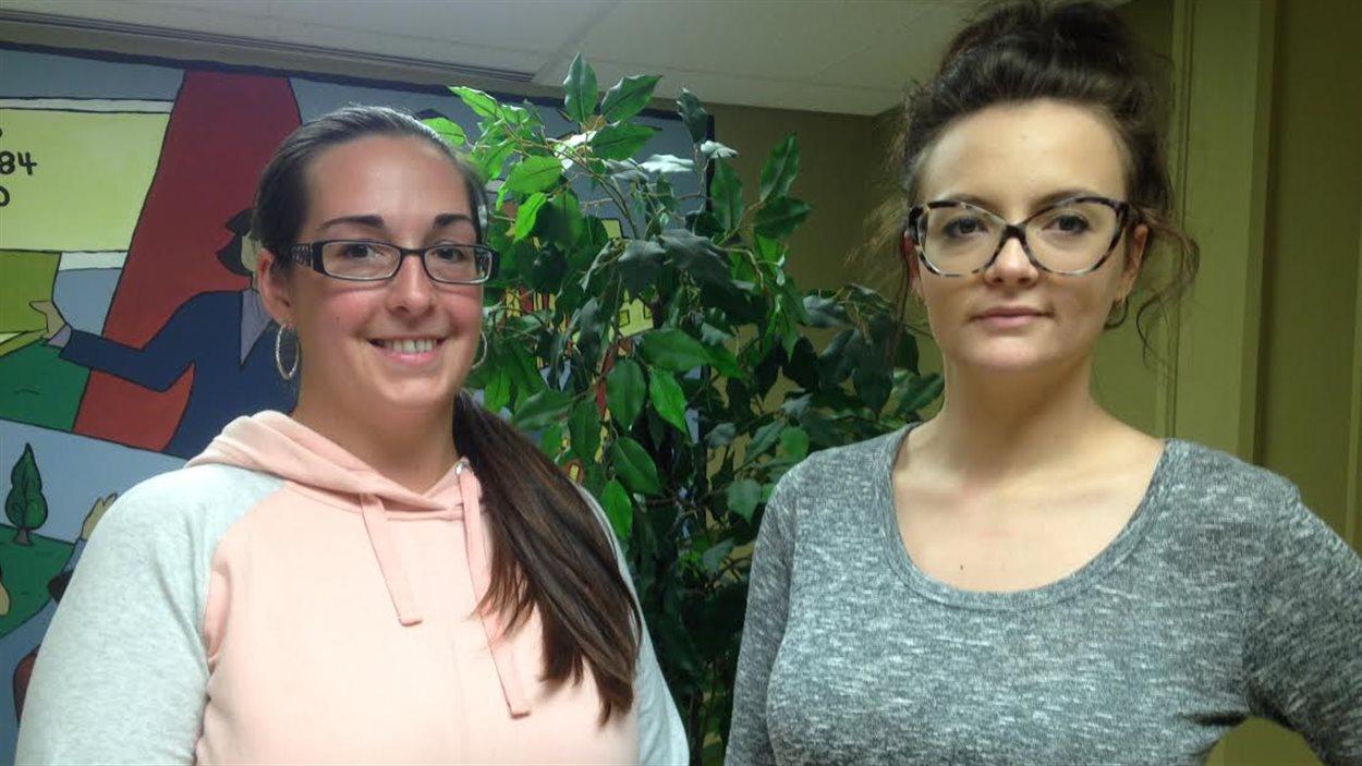 Vanessa LeCouteur et Sherrie Francoeur ont choisi de quitter l'Ouest canadien et de retourner aux études à Bathurst