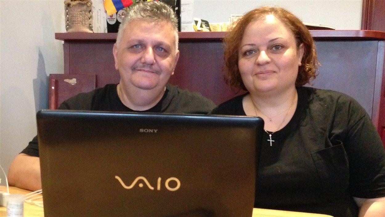 Garo et Salbi Dawood, des réfugiés irakiens installés au Canada.