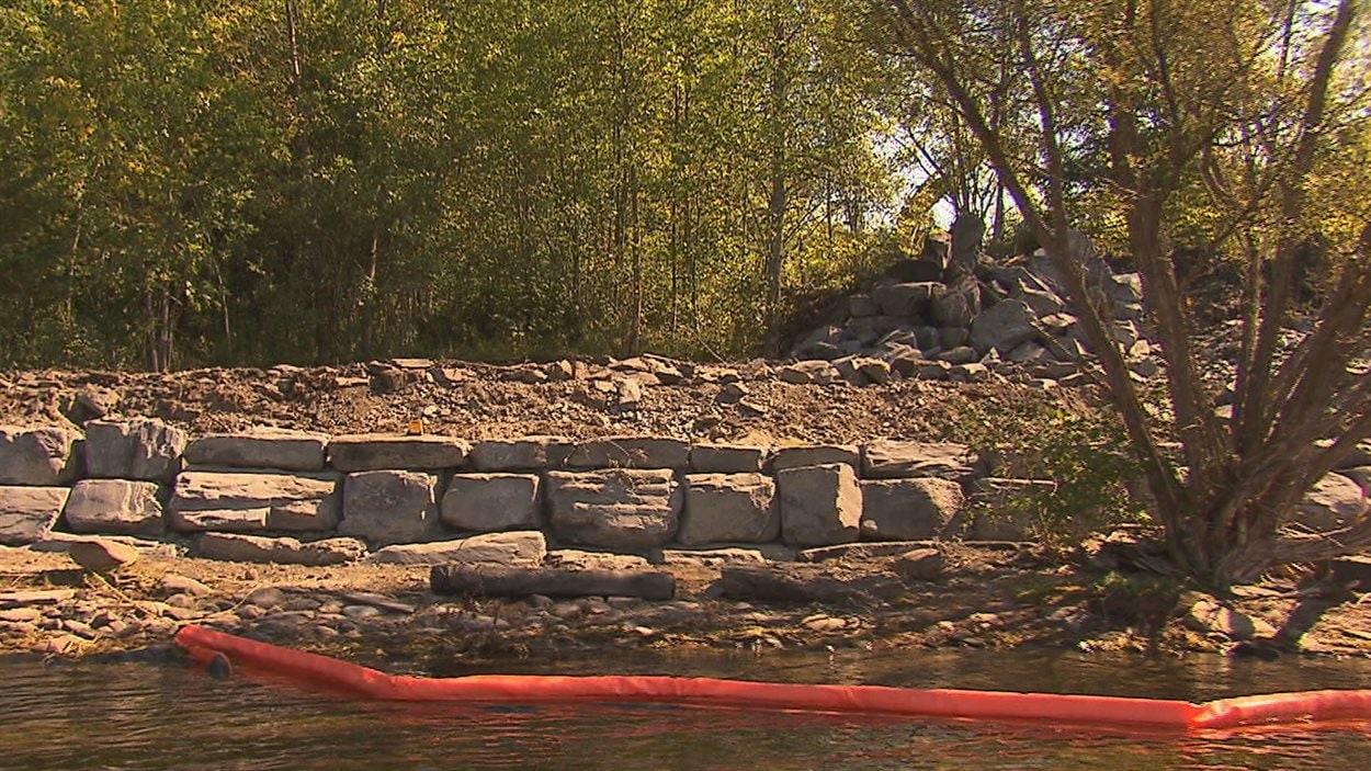 Des riverains dénoncent les travaux faits sur le bord du lac Massawippi