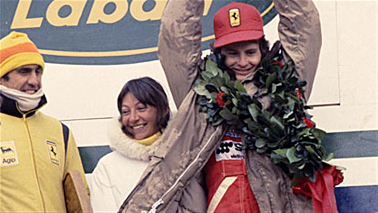Carlos Reutemann et sa tuque sur le podium du Grand Prix du Canada de 1978