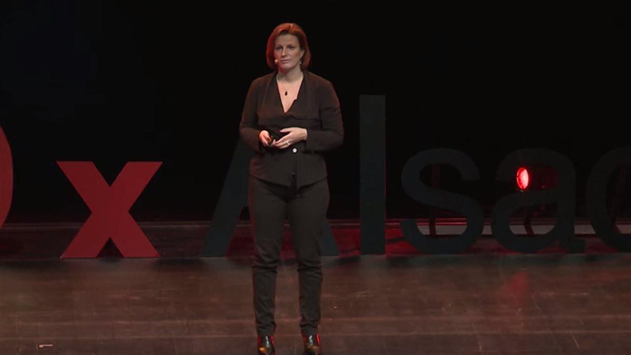 Laurence Vanhée à la conférence TEDxAlsace, en Mars 2013.