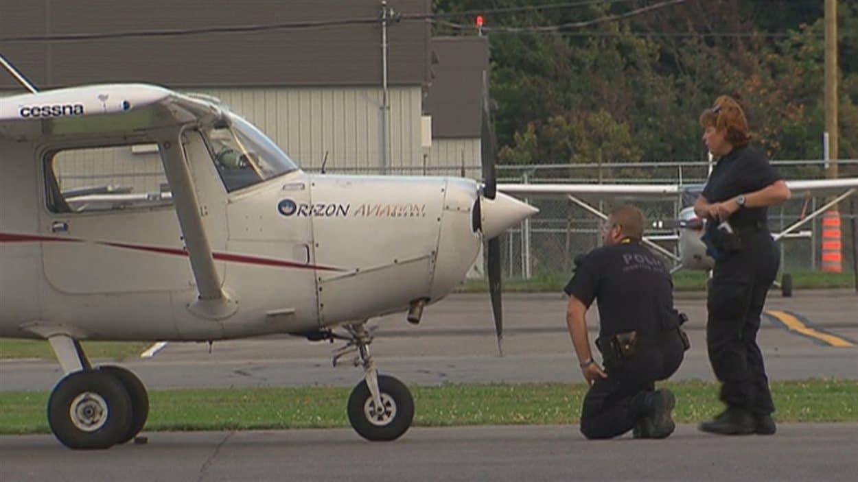 L'appareil à bord duquel le jeune pilote était passager.
