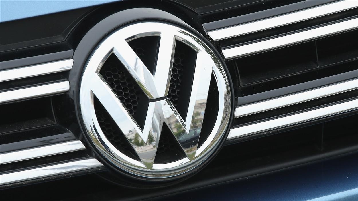 Devanture d'une voiture Volkswagen