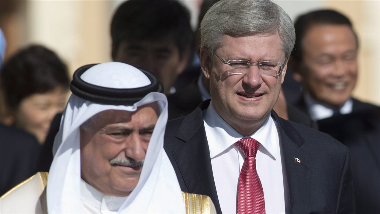 Stephen Harper et le ministre des Finances de l'Arabie Saoudite lors du sommet du G20 de Saint-Pétersbourg, en 2013