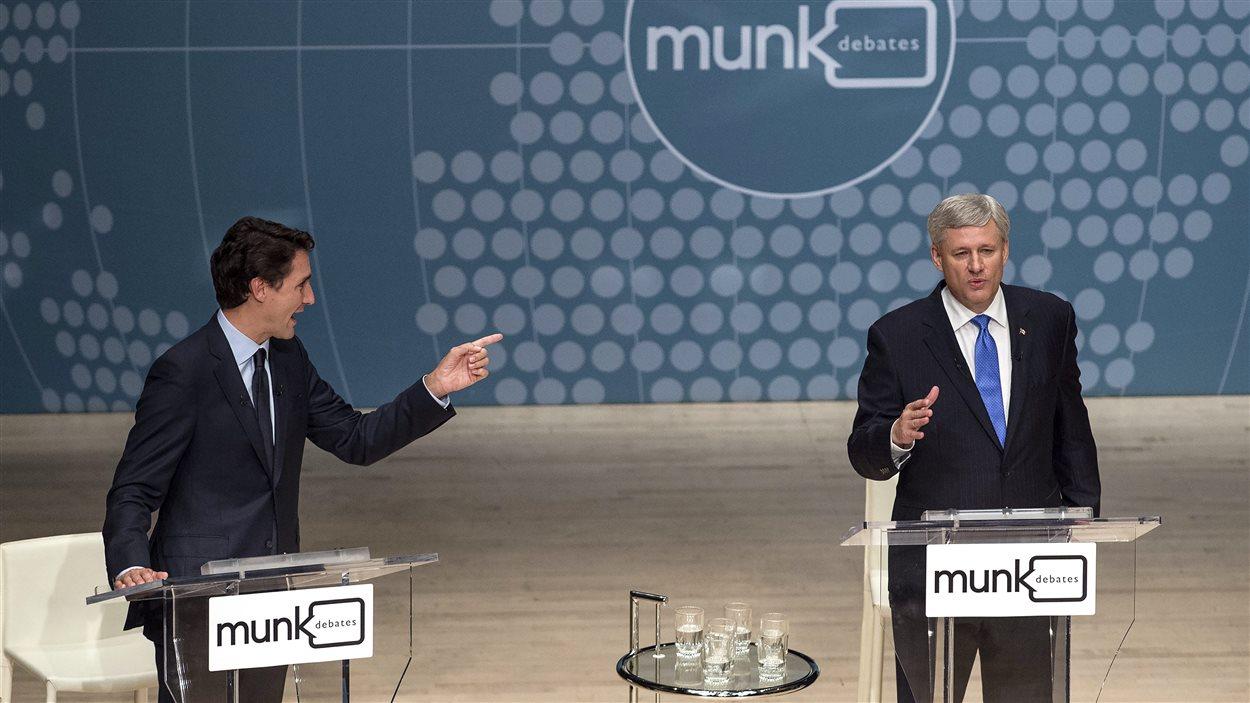 Justin Trudeau et Stephen Harper lors du débat Munk le 28 septembre.