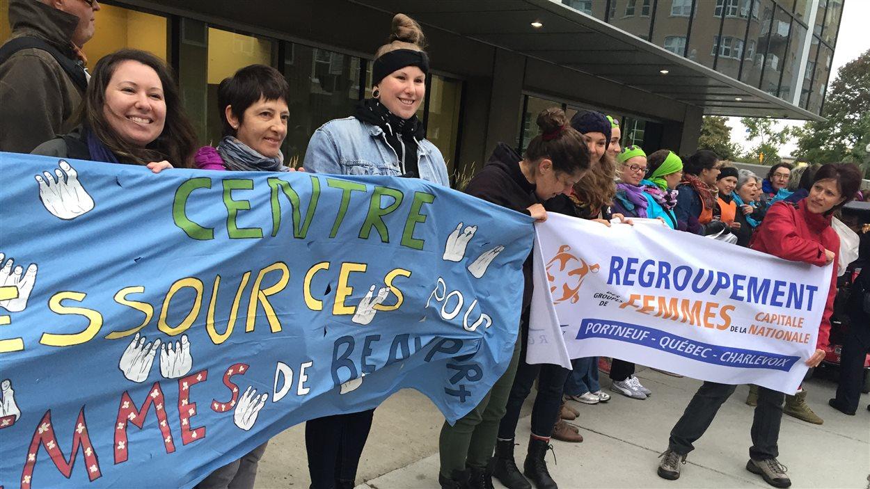 Des manifestants de partout au Québec sont présents.